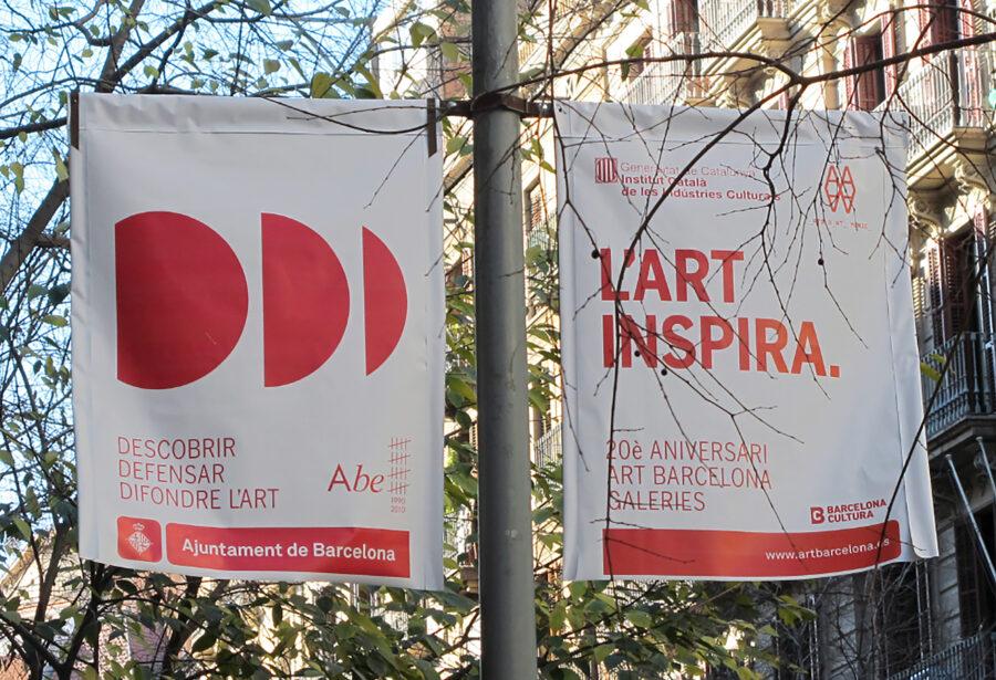 Banderolas de la campaña de comunicación en Barcelona